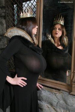 Melina Velba Nackt