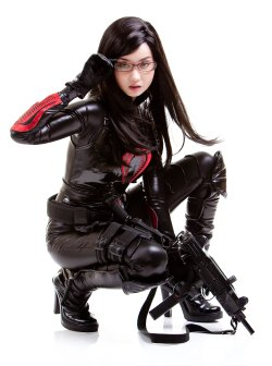 Free Hentai Cosplay Gallery: Alodia Gosiengfiao - Baroness