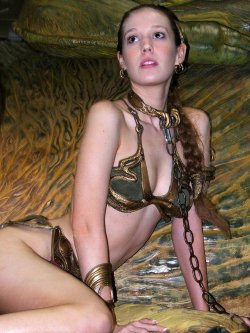 Free Hentai Cosplay Gallery: Princess Leia - Golden Bikini Cosplay