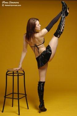 Free Hentai Misc Gallery: Naked Gymnast - Anna Simonova