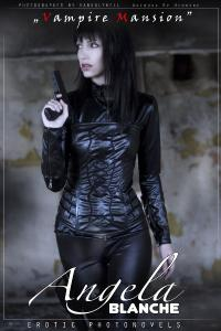 Free Hentai Cosplay Gallery: AngelaBlanche - Selene (Underworld) cosplay, and misc gothic stuff