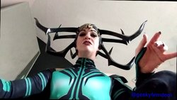 Geekyfemdom Cosplay Girls Hela strip