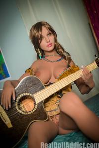 Laeticia, Fat-Butt Hippie _ Real Doll Addict